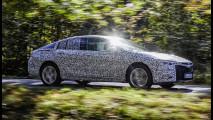 GM mostra sedã que vai dar origem aos novos Insignia e Commodore