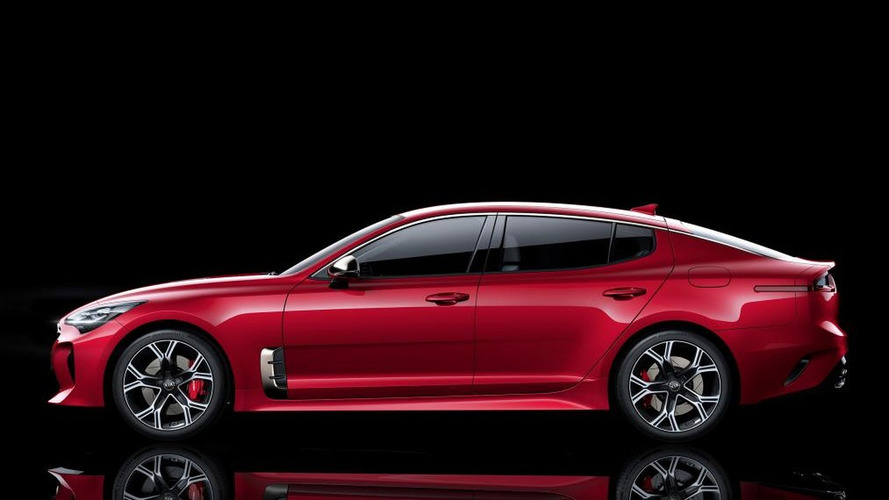 D 233 Troit 2017 La Kia Stinger Officialis 233 E
