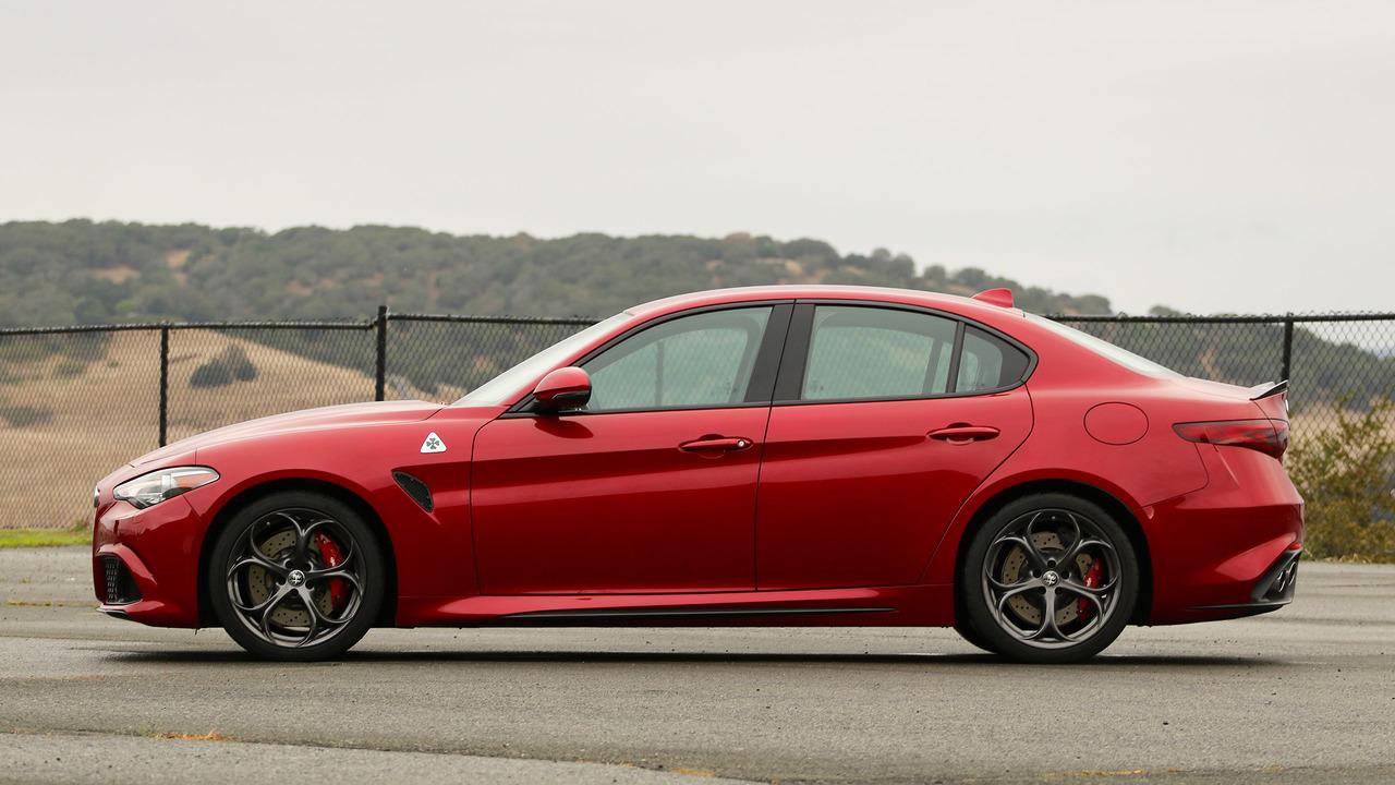 Alfa romeo giulietta review car and driver