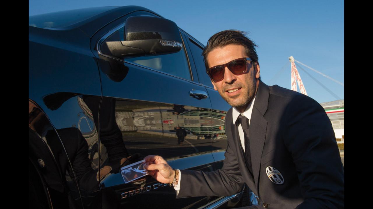 Ai giocatori della Juventus 27 Jeep Grand Cherokee