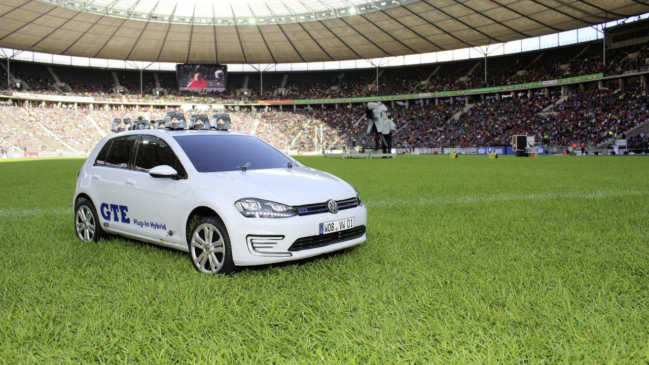 Volkswagen Golf GTE shuttle vehicle