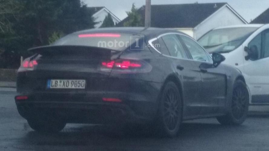 Reader catches the new Porsche Panamera on camera