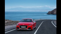 400 bg gücündeki Audi TT RS Coupe ve Roadster tanıtıldı