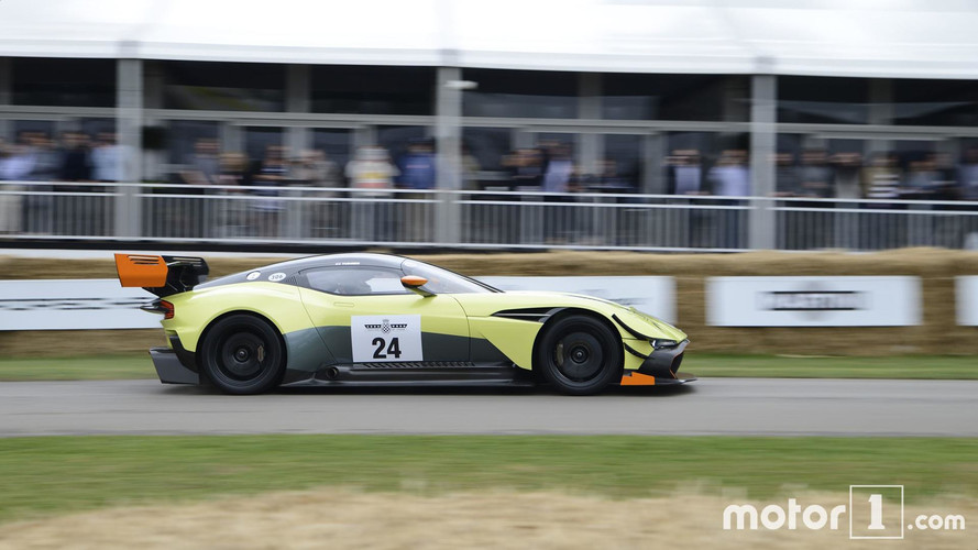 Goodwood 2017 - L'Aston Martin Vulcan AMR Pro sort les muscles