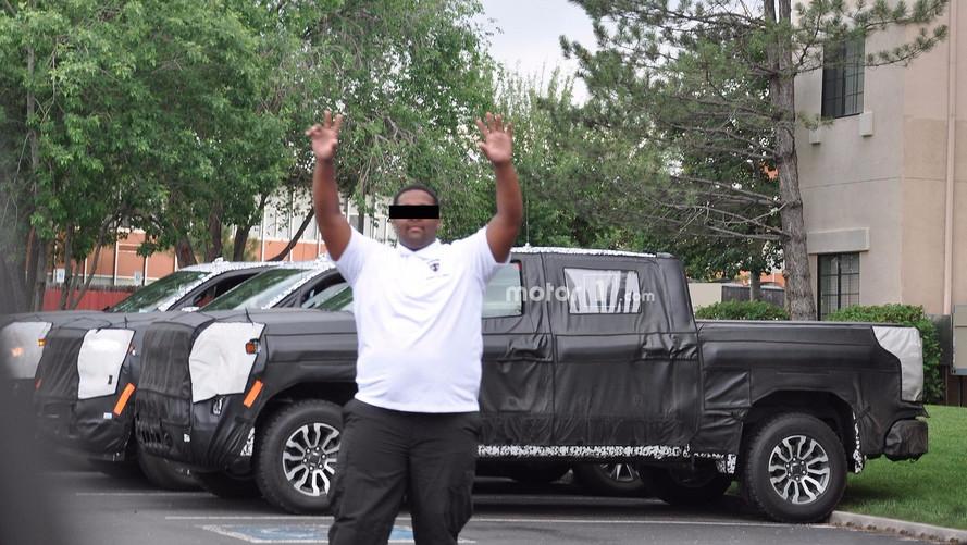2019 Chevy Silverado/GMC Sierra Spied... But Security Isn't Happy