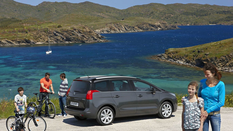 Peugeot 5008 Revealed - New 7 passenger compact MPV