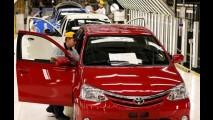 Greve na fábrica da Toyota segue pelo 5º dia - produção está 90% paralisada