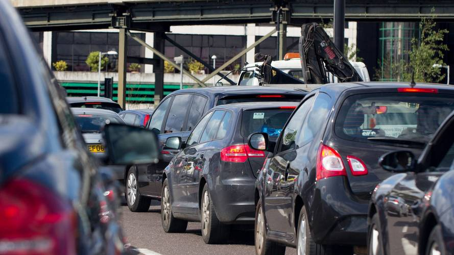 Drivers' group blames government for emissions 'issues'