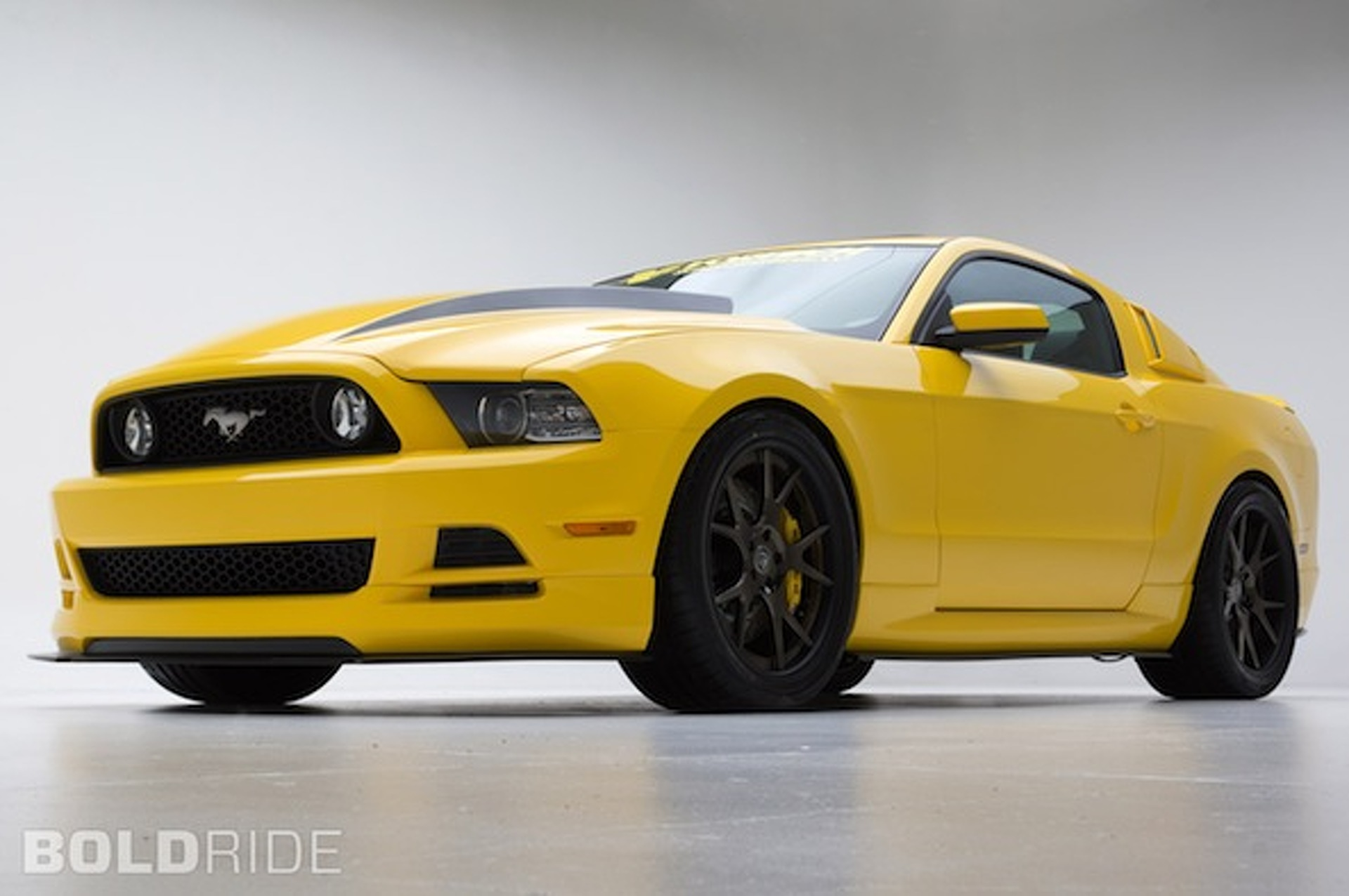 SEMA-Bound Mustang Yellow Jacket Puts Down 605HP