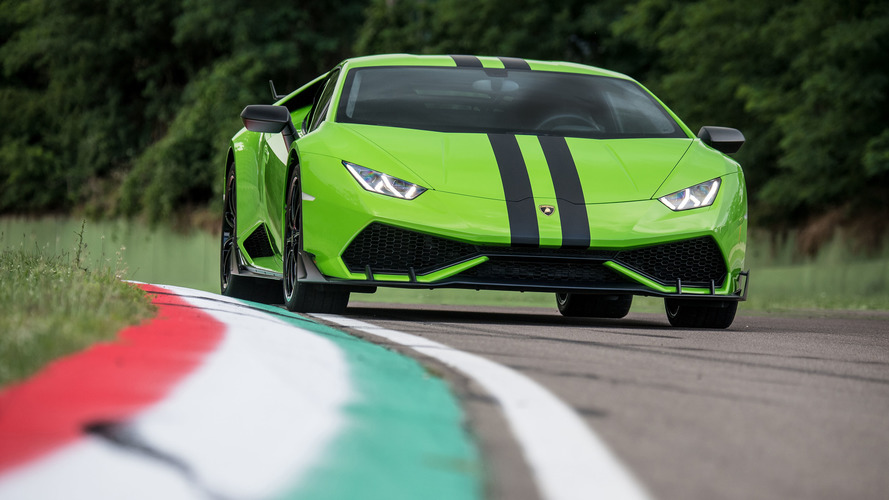 Lamborghini Huracan'a opsiyonel yarış versiyonu geliyor
