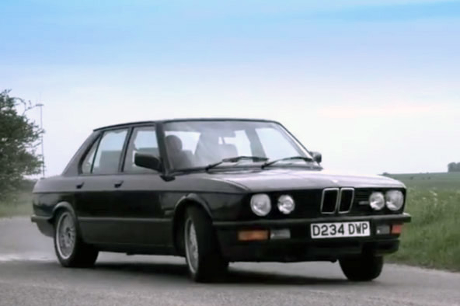 Video: Chris Harris and the E28 M5