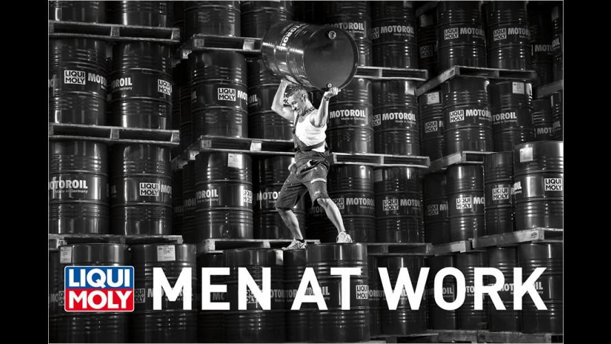 Men at work: Wenn die Ölfabrik zum Laufsteg wird