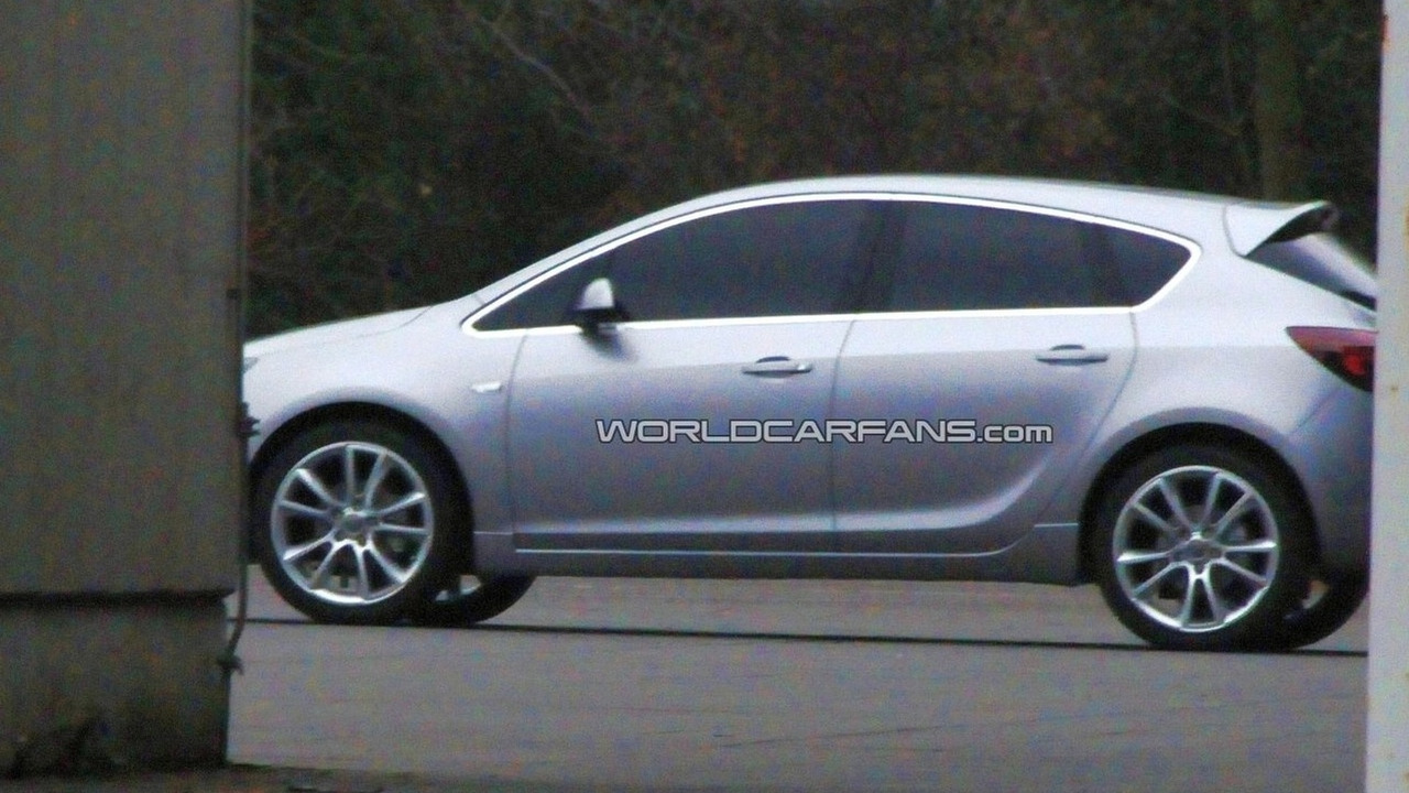 2010 Opel Astra spy photo - optimized image