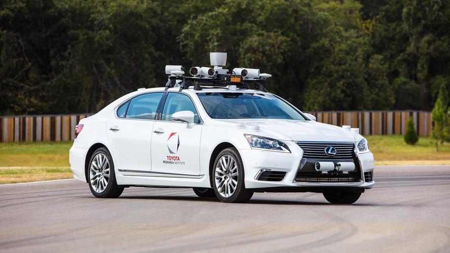 Toyota, 2 direksiyonlu prototiple otonom sürüşü test ediyor