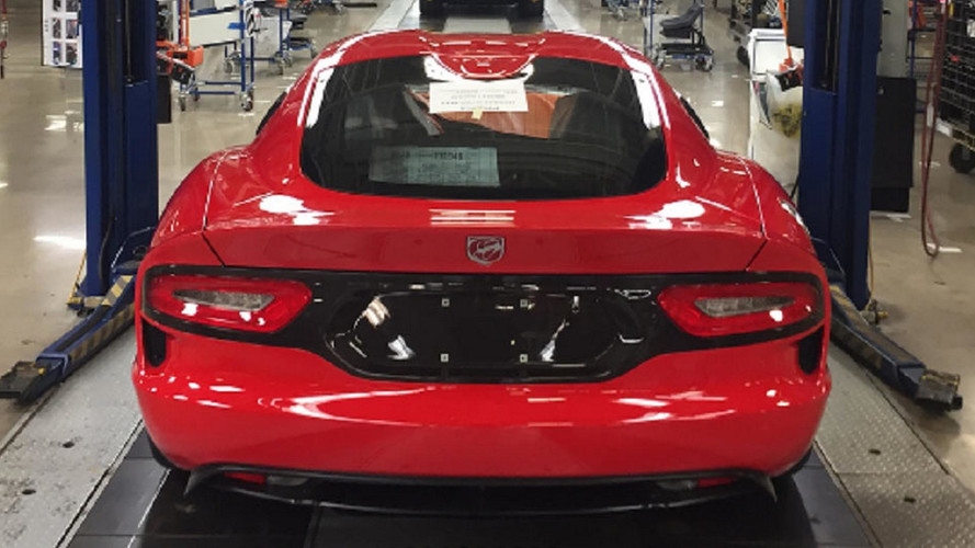 Último Dodge Viper deixa a linha de produção
