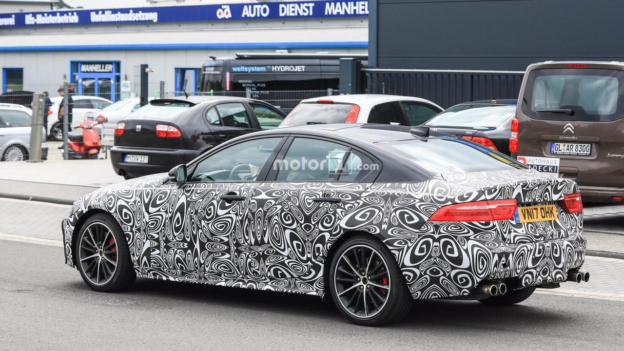 2019 Jaguar XE SVR spy photos Photo Gallery