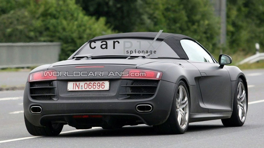 Audi R8 Spider Spy Video