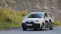 2017 Opel Meriva spy photo
