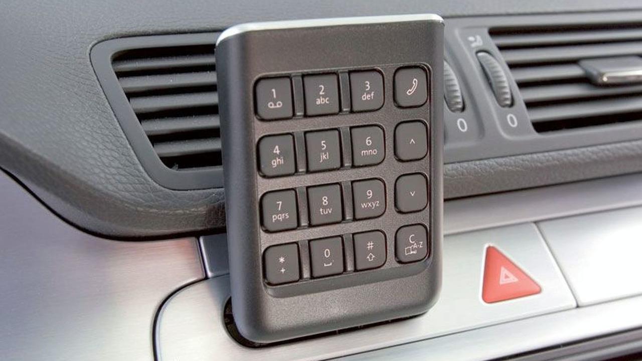 Premium Mobile Telephone Provision in New Volkswagen Passat