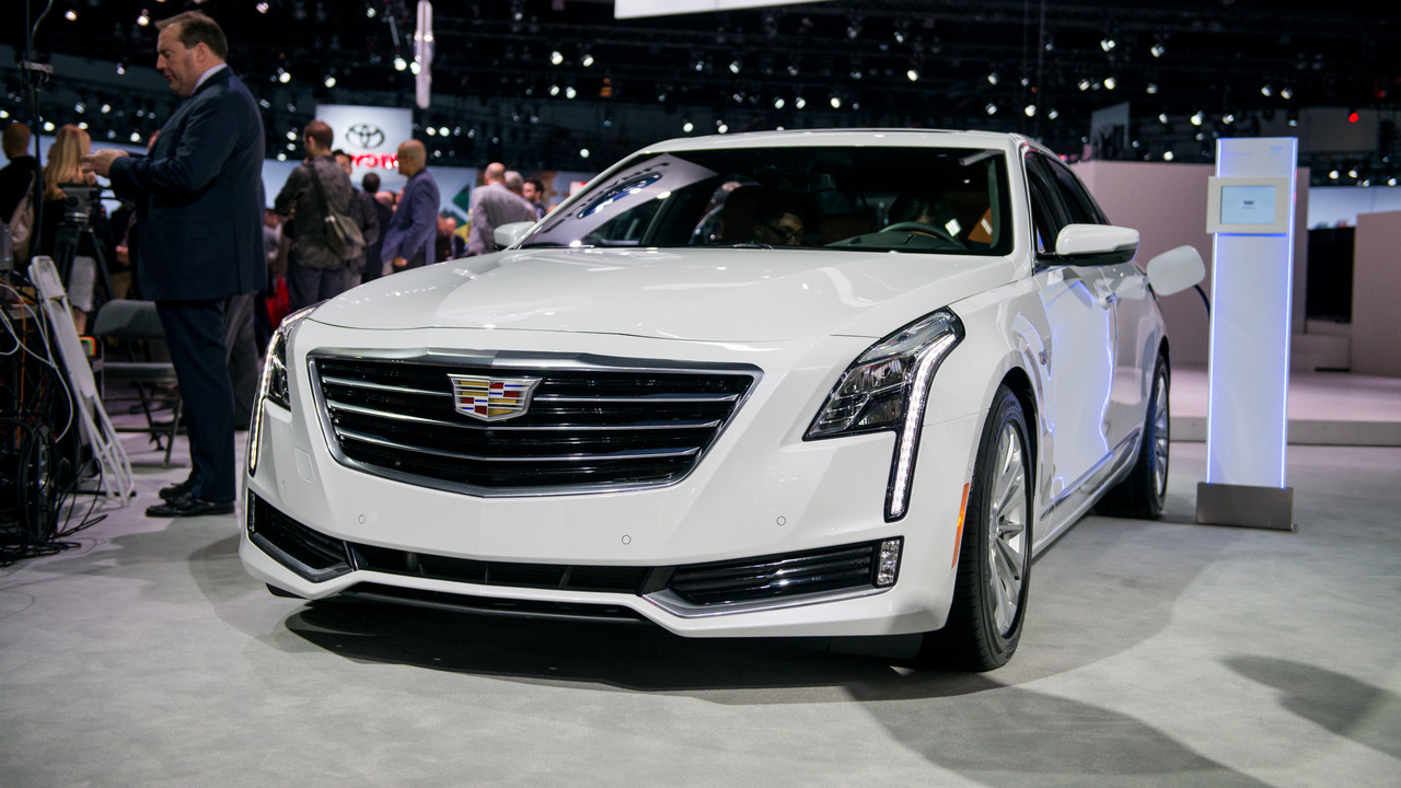 cadillac ct6 phev quietly rolls into l a with 30 mile ev range. Black Bedroom Furniture Sets. Home Design Ideas