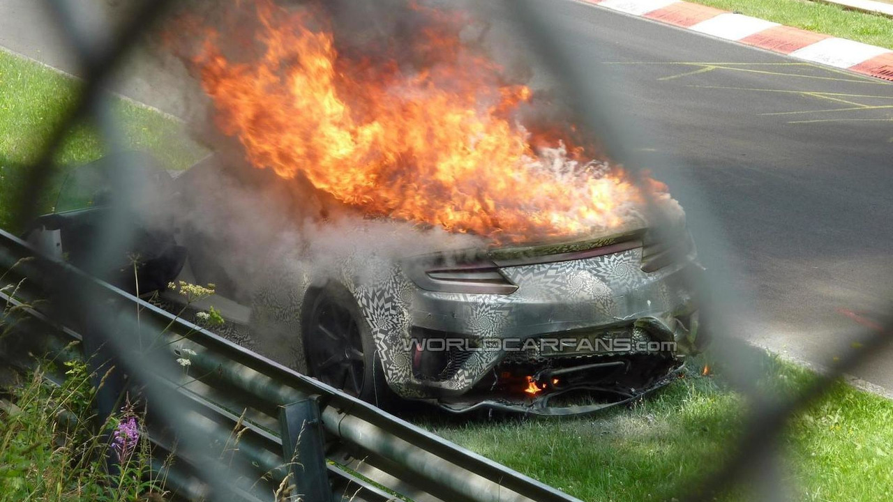 2015 Honda/Acura NSX prototype catches fire