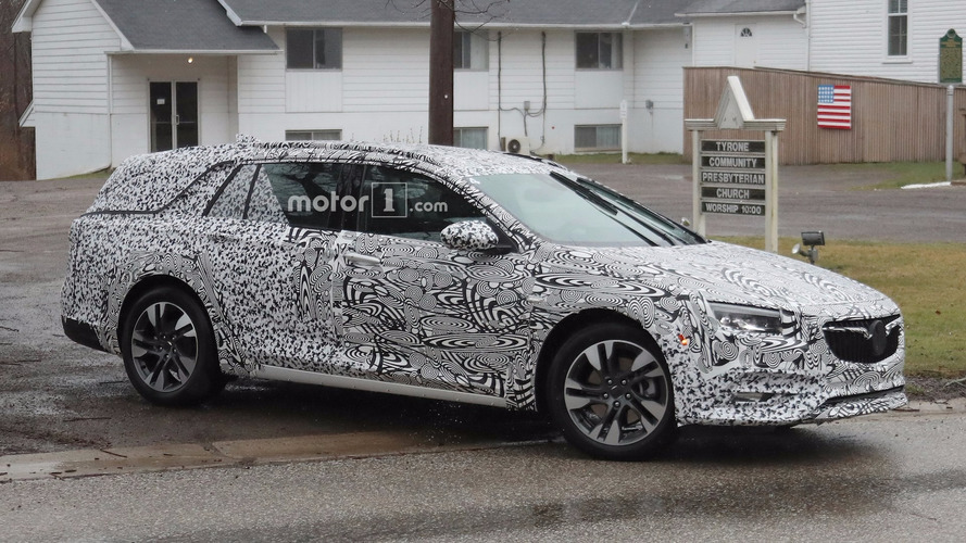 Buick Regal Wagon And Liftback Spied Before Big Apple Debut