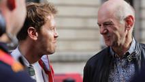 Sebastian Vettel, Ferrari, Adrian Newey, director técnico, Red Bull Racing