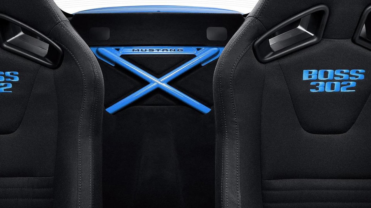 2012 Ford Mustang Boss 302 Laguna Seca Grabber Blue - 1.6.2011