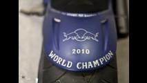 Sebastian Vettel comemora título da F-1 com uma supermoto custom exclusiva