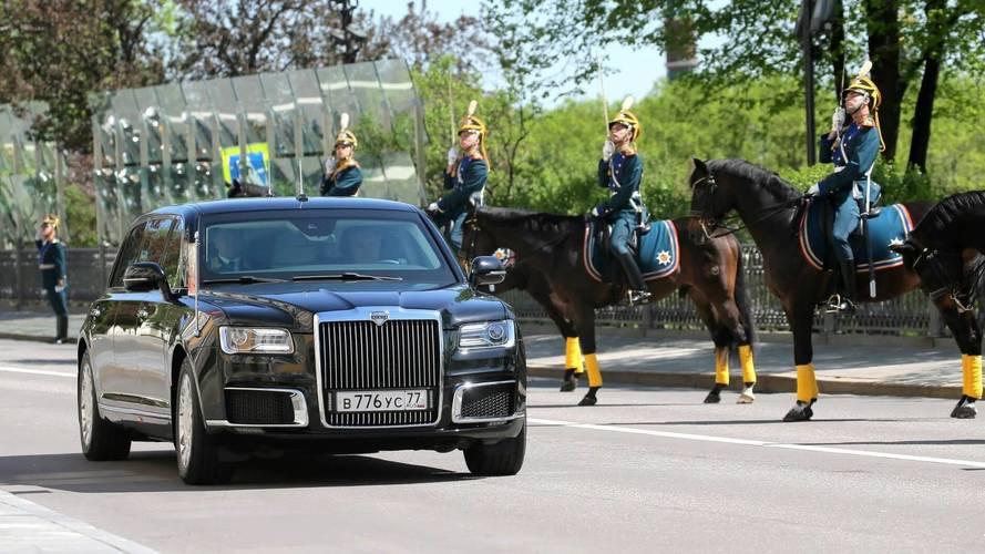 Vladimir Poutine inaugure sa nouvelle limousine