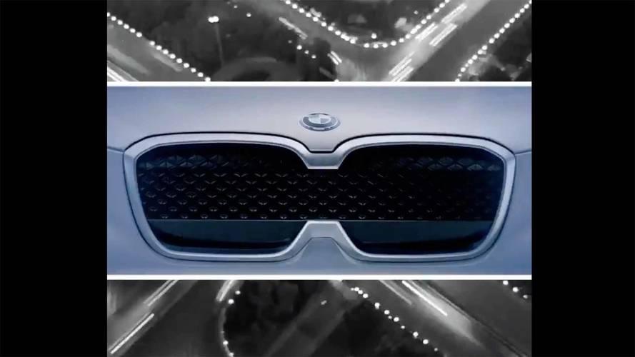 Tamamen elektrikli BMW iX3 SUV'sinin bir teaser'ını yayınlandı
