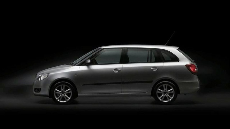 Skoda Tease: First Fabia Estate Image Released