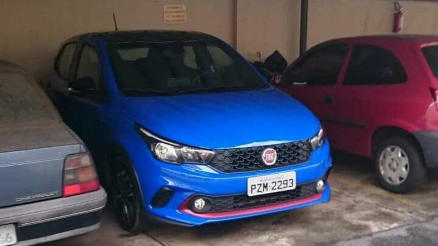 Fiat Argo de cara limpa e com todas informações — Lançamento