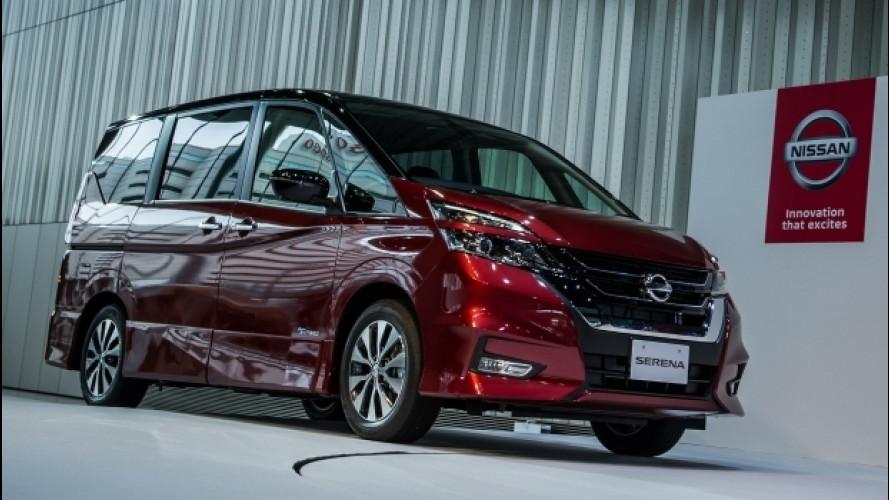 Nuova Nissan Serena, guida da sola con ProPilot