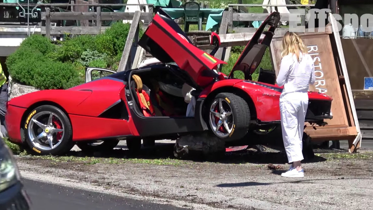 Ferrari LaFerrari crash