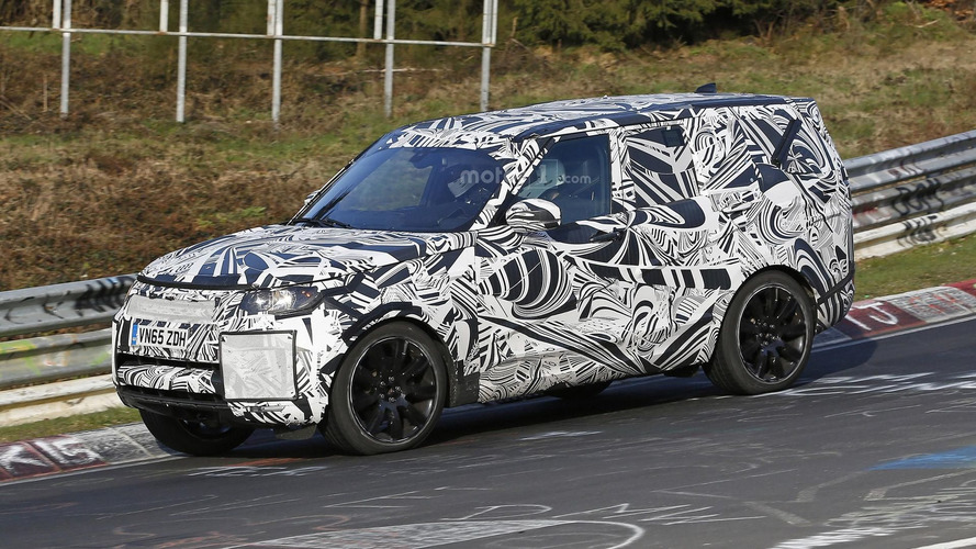 2017 Land Rover Discovery tackles the Nürburgring