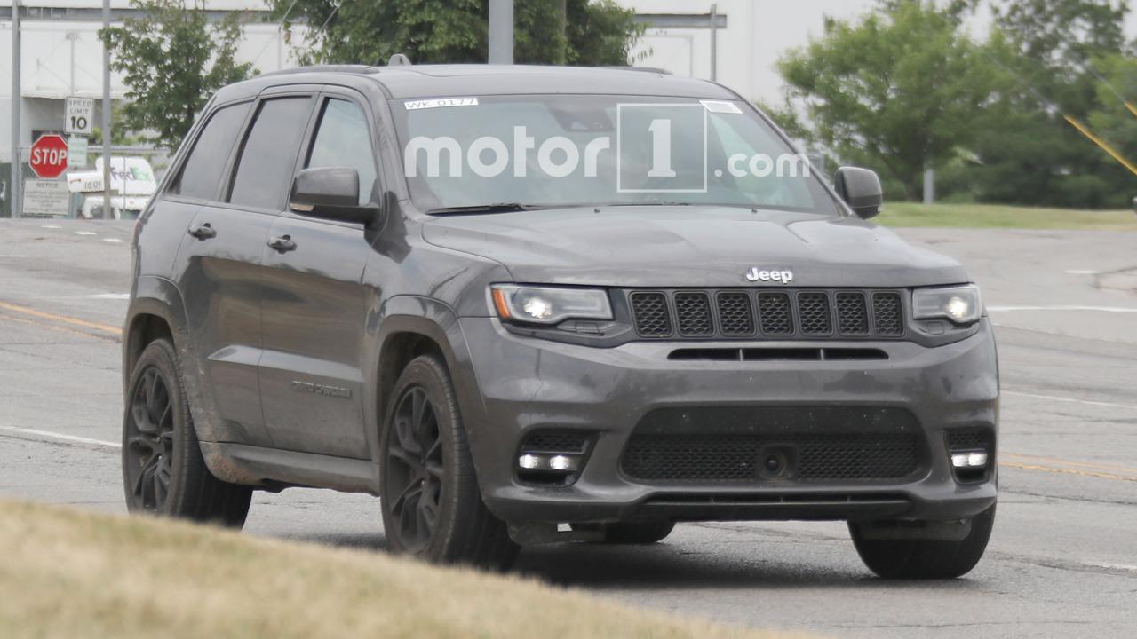Jeep Grand Cherokee Trawkhawk Spy Shots