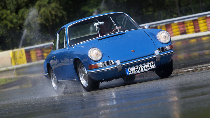 Porsche adds more old-look, modern tires for its classics