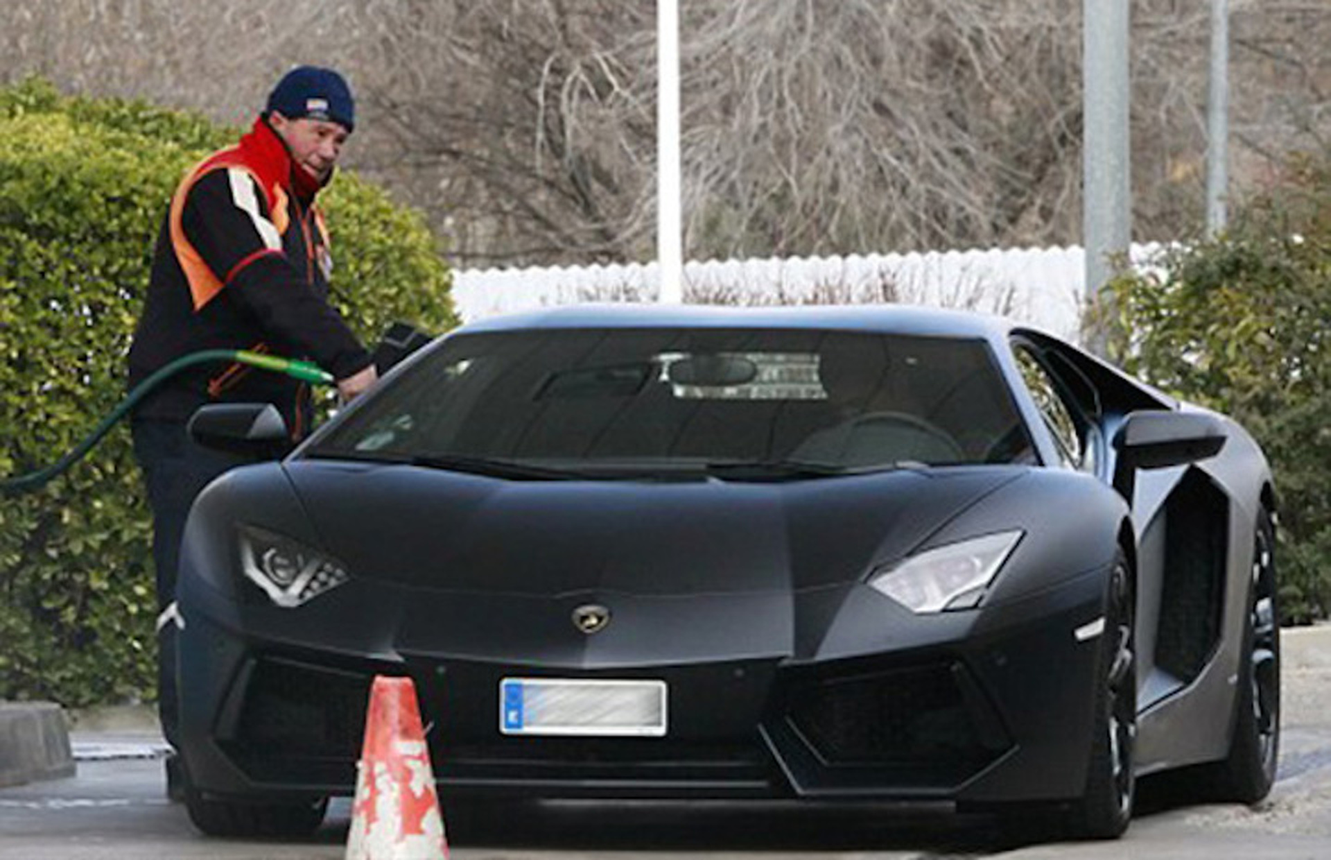 8 Soccer Stars and Their Gorgeous Cars