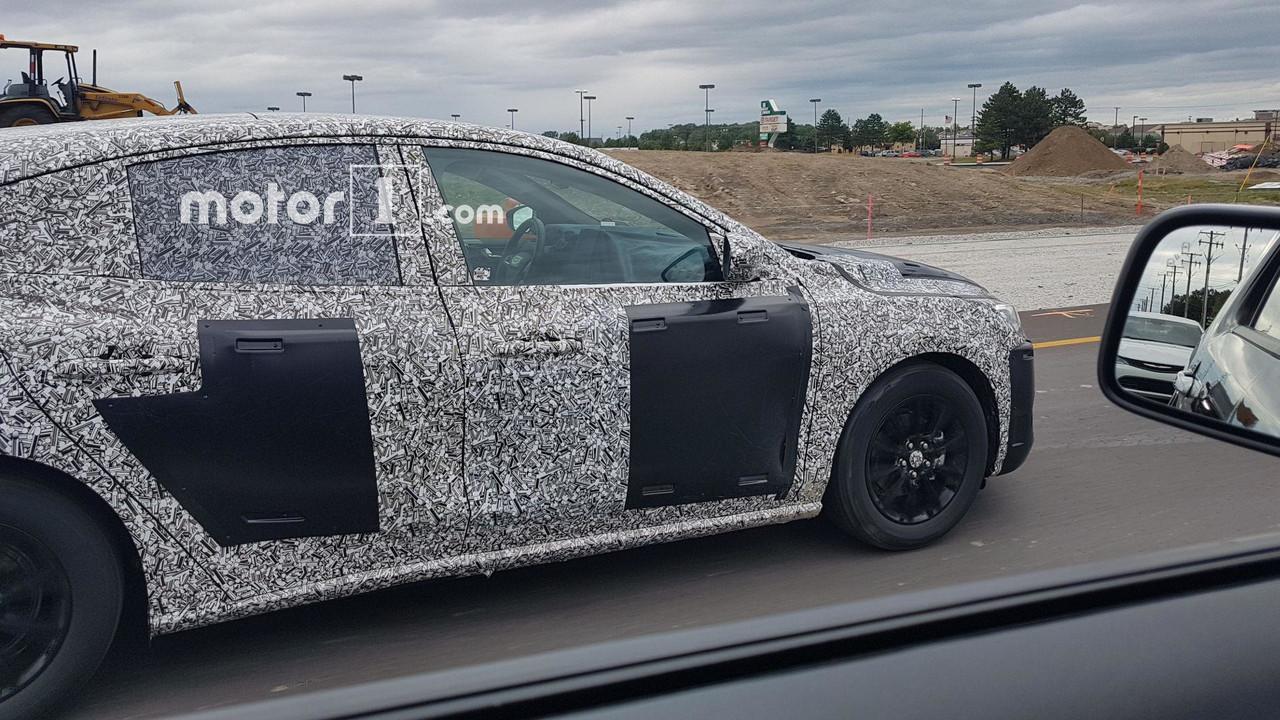 2019-ford-focus-five-door-spy-shots