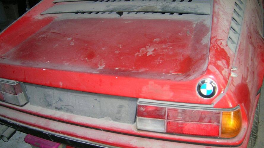 Terk edilmiş BMW M1 tarihin tozlu sayfaları arasından çıkarıldı