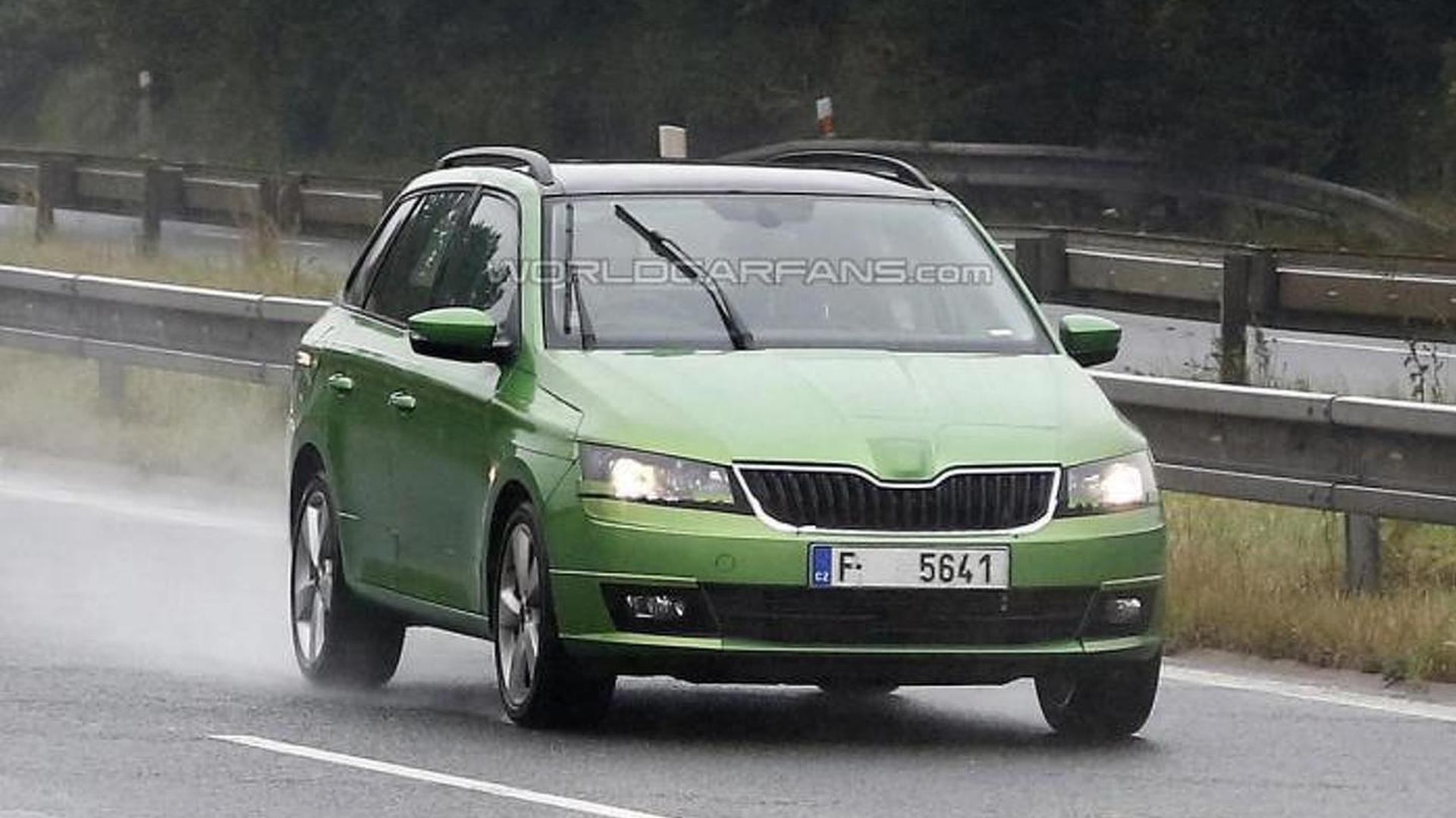 Новая Skoda Fabia Combi на дорожных испытаниях