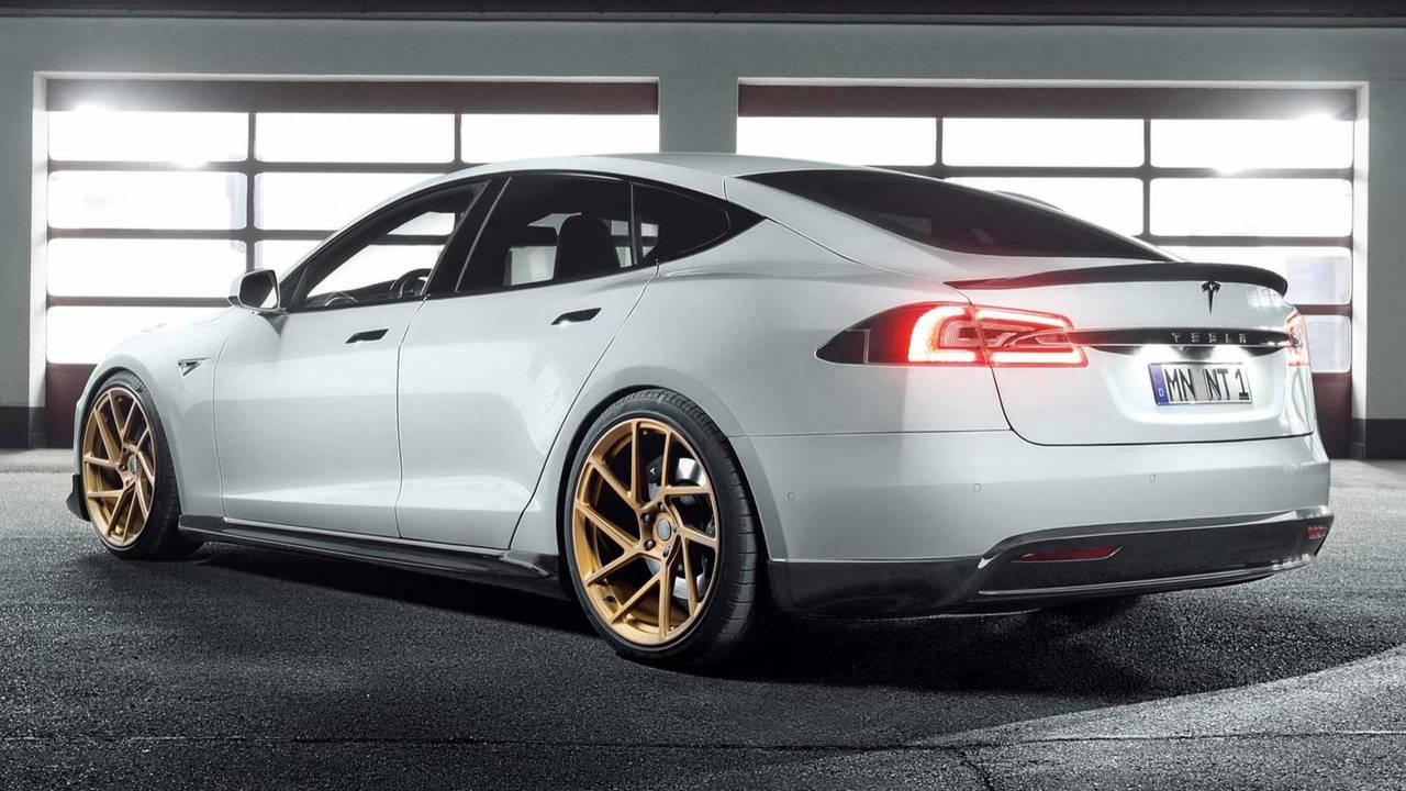 Tesla Model S'e Novitec Modifiyesi