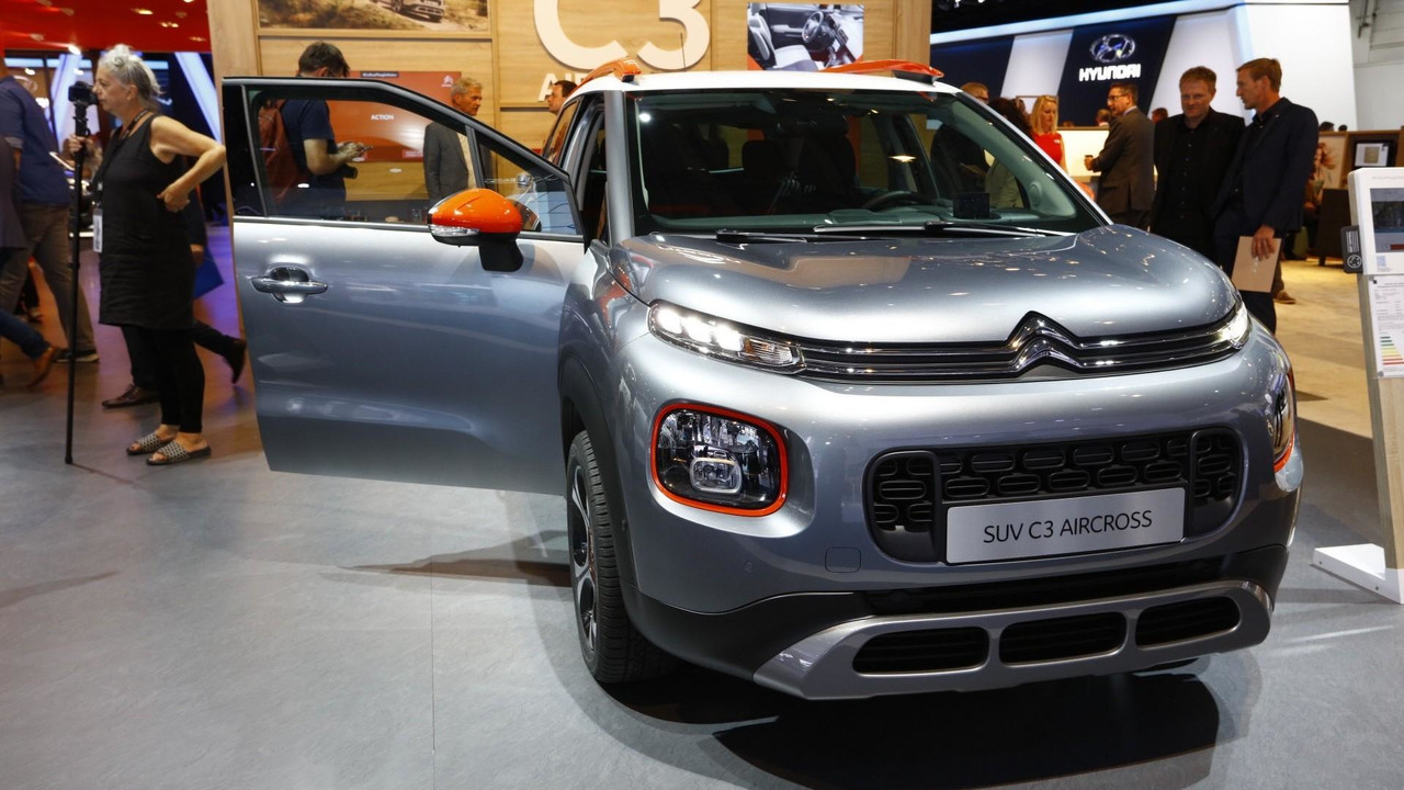citroen c3 aircross shows up in frankfurt with quirky design cues. Black Bedroom Furniture Sets. Home Design Ideas