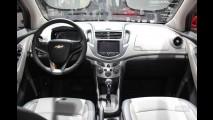 Salão de Paris: Confira fotos ao vivo do crossover Chevrolet Trax/Enjoy, que chega ao Brasil em 2013