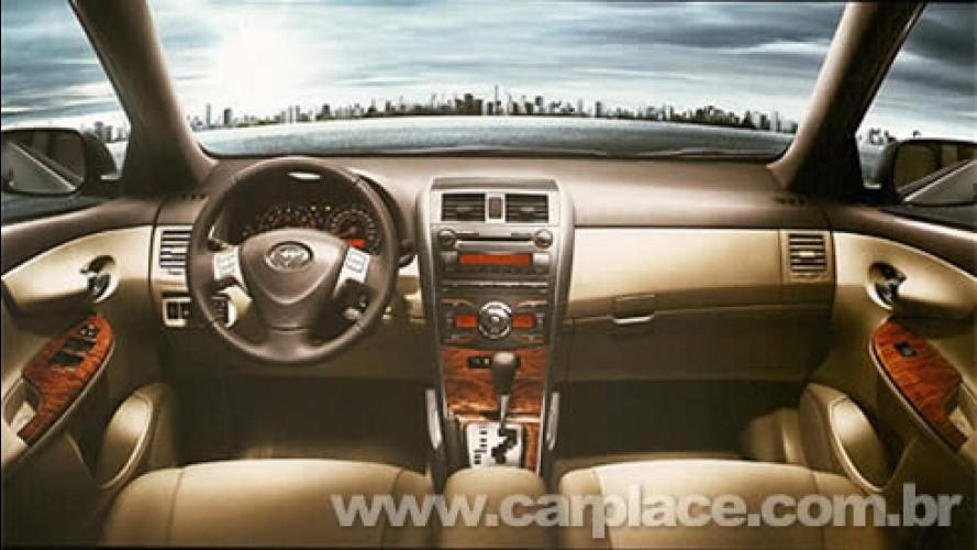 Toyota divulga interior e painel do novo Corolla para clientes preferenciais