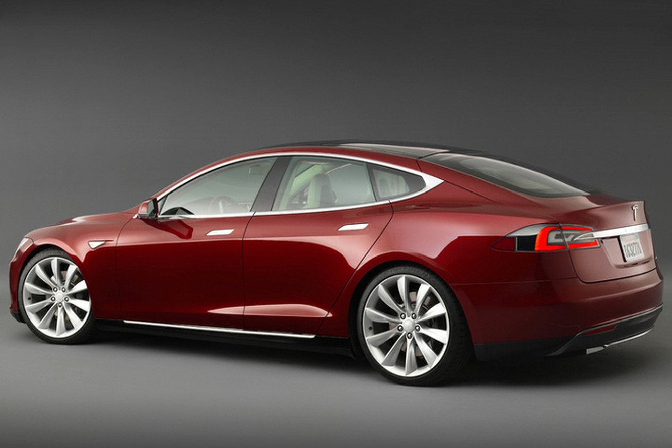 Hackers Being Offered $10,000 to Hack a Tesla Model S