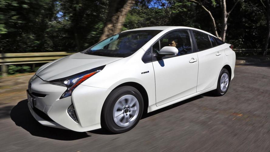 Toyota completa 60 anos de Brasil e confirma híbrido flex