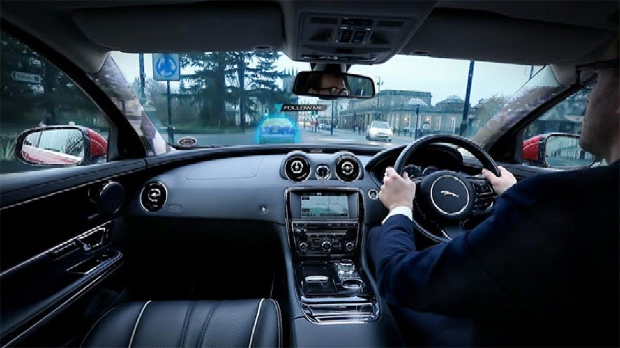 Jaguar Land Rover terá colunas