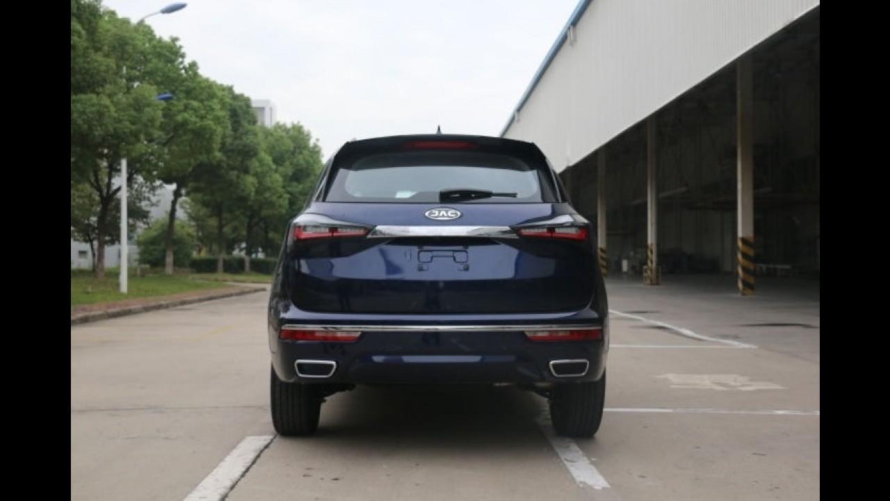 """Maior SUV da marca, JAC S7 aparece """"limpo"""" pela primeira vez - veja fotos"""